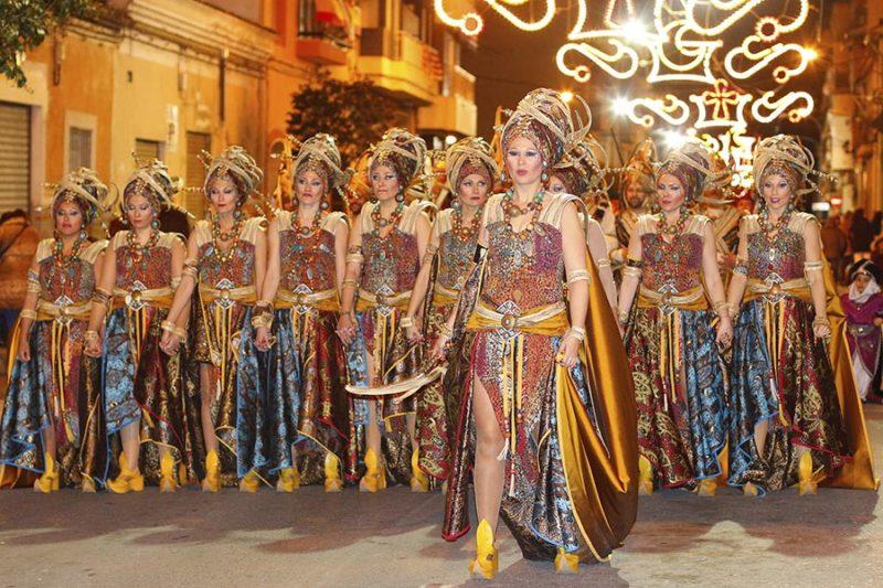 традиционный праздник Мавры и Христиане