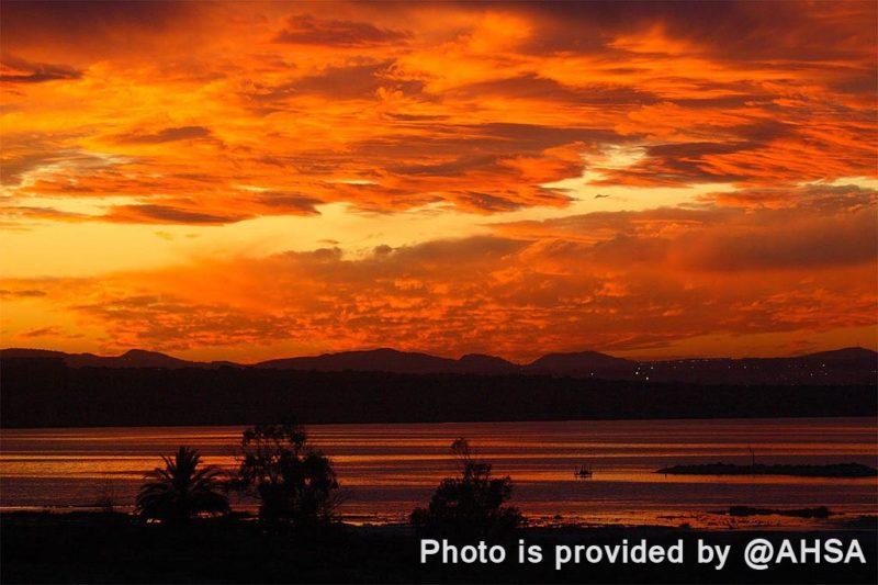 Закат на розовом озере Торревьеха фото