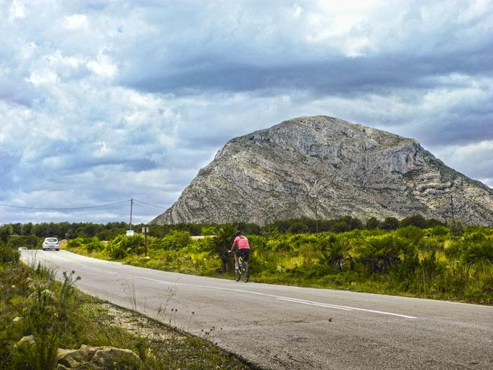 Почему любители велотуризма выбирают Коста Бланку