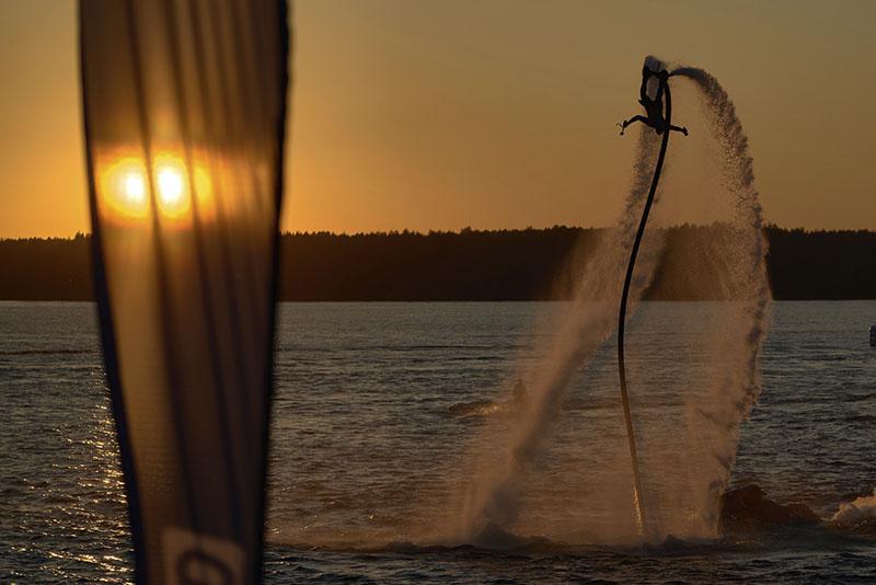 Водные виды спорта на побережье Коста-Бланки Флайборд
