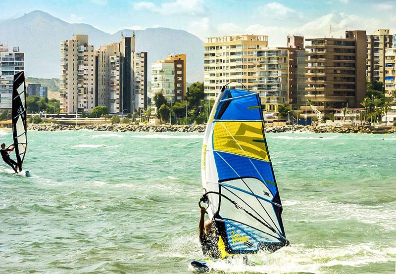 Водные виды спорта на побережье Коста-Бланки