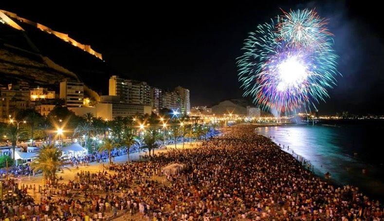 Огерас Сан Хуан праздники в Испании