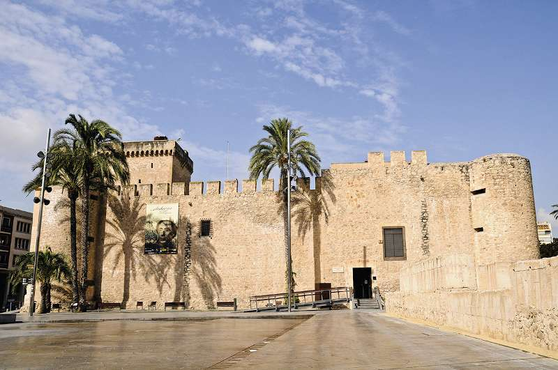 крепость-дворец Альтамира в Эльче.