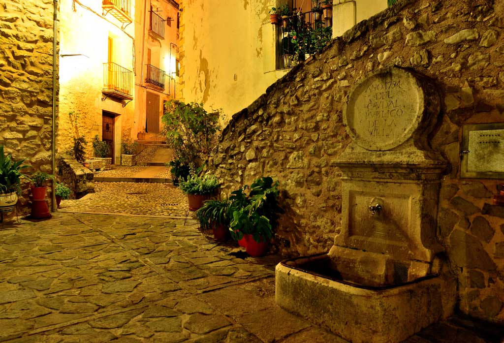 Bocairent at night