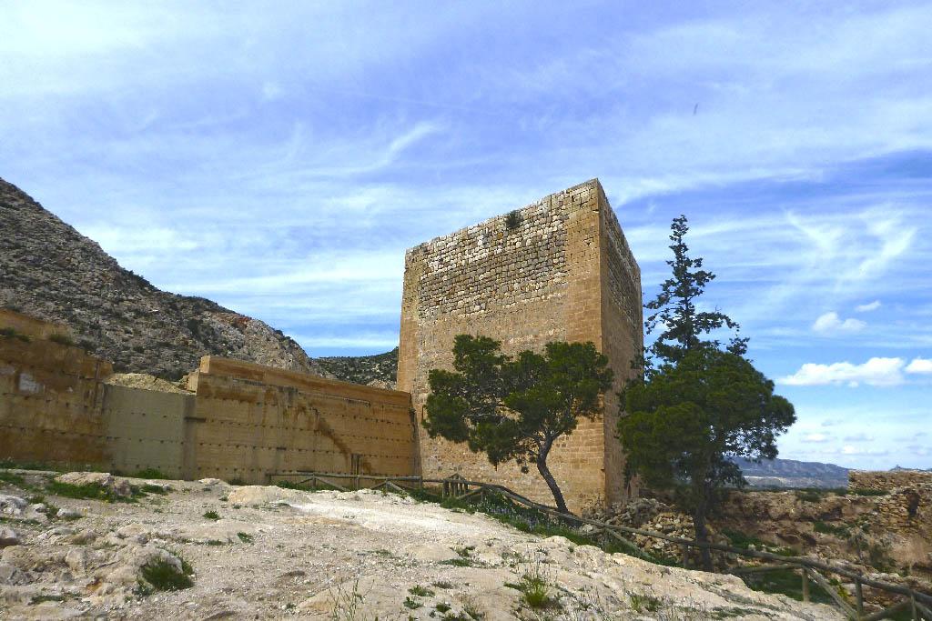 Замок Ла Мола в Новельде